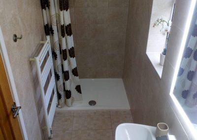 Low Level Easy Access En Suite Shower Room - Waterton South Suite